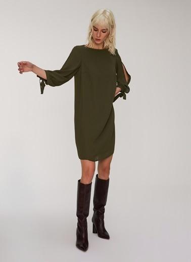People By Fabrika Kolu Yırtmaçlı Elbise Haki